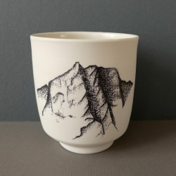 white porcelain cup Lhotse