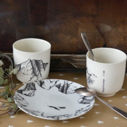set of 2 cups + 1 plate