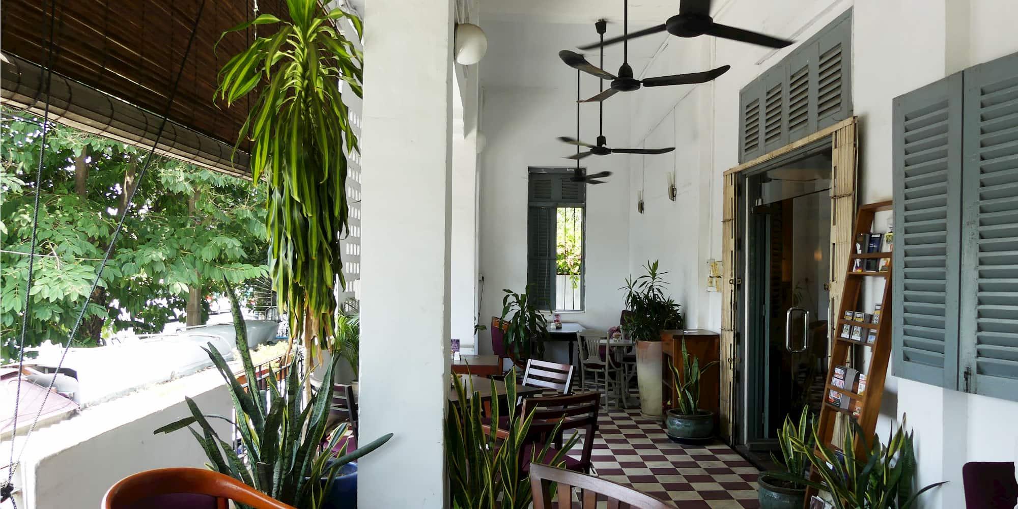 café in Phnom Penh