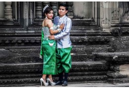 Cambodia travel : Discover the richness of the Cambodian wedding dresses